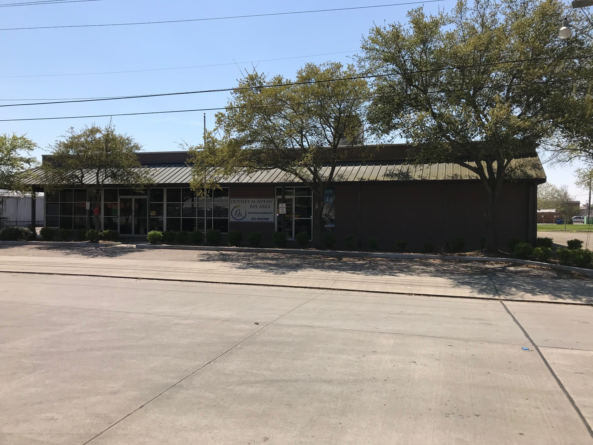 FOR SALE! 10,857 SF Office Building in League City